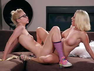 Lesbian troika with nerdy Chloe Cherry and her teen friends