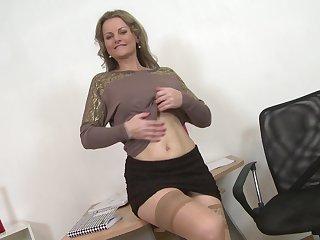 Amateur mature kirmess MILF Lianna masturbates at the office