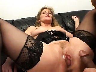 Cruel mature lady enjoys hardcore double penetration