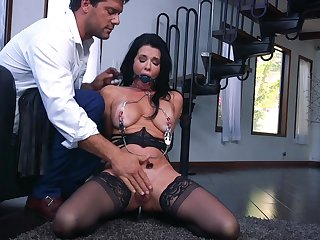 Hardcore and rough threesome with Veronica Avluv and Victoria Voxxx
