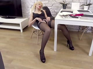 Pounding legged auburn MILF Zara loves petting herself in the first place the chair