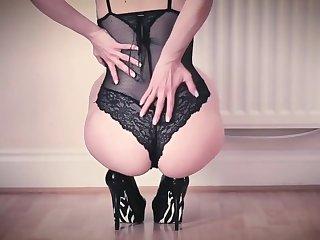 Hot babe moorland Lingerie HUGE cumshot Then she licks it