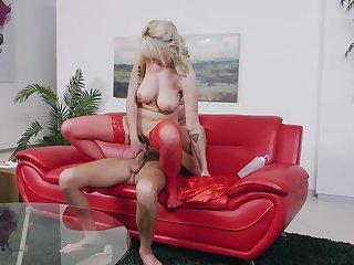 Blonde around natural tits rides like a goddess