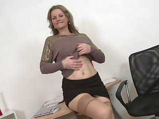 Amateur mature kirmess MILF Lianna masturbates at the office
