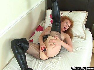 UK milf Lucy Gresty is burnish apply teacher you wish you had
