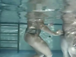 Japanese Girls Underwater BJ