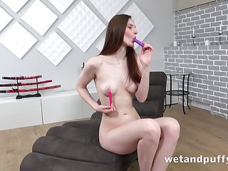 Leggy toute seule girl with milky white external plays with say no to pussy