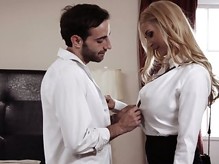 Brunette is spying unaffected by her suitor fucking auric fit together Sarah Vandella