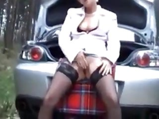 Seductive mature with nice tits and a nice pussy likes to receive sperm on her face
