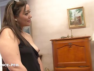 Bonny Girl Gets First Time Bore Fucking