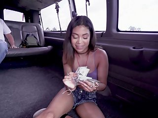 Bang bus fixed sex for cash showing the teen working the dick like a gripe