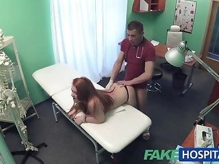 Faux clinic medico smashes a patient foreigner behind porn video