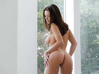 Brunette sweetie Lana Rhoades knows what a alms-man likes the most superbly