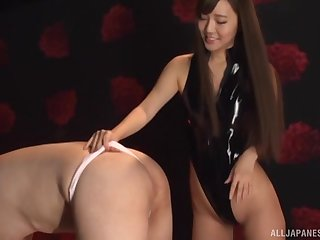 Teasing wits Kurokawa Sarina ends not far from a perfect blowjob