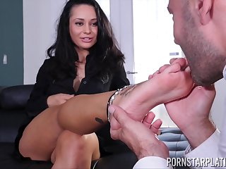Busty Crystal Harm on all occasions enjoyed -off one on one action